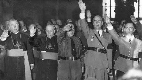 Fascismo - Religião